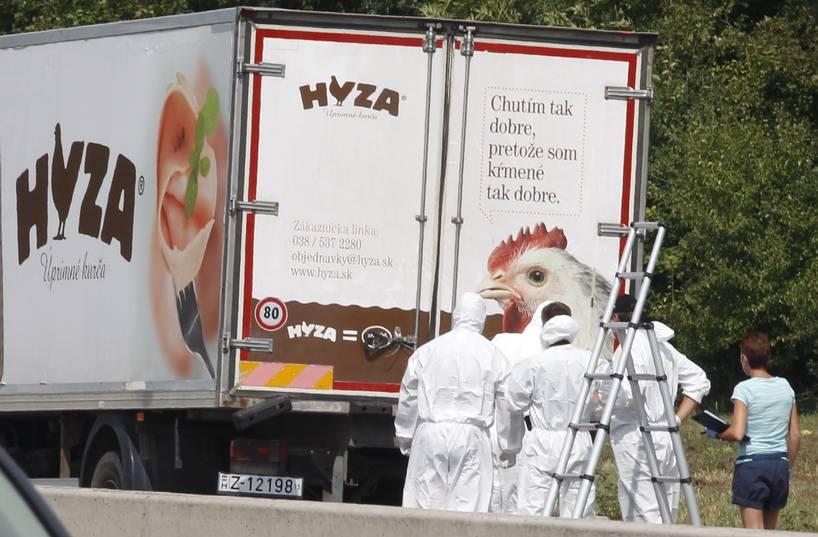 71 flyktingar kvävdes till döds i en lastbil i Österrike. Foto: AFP